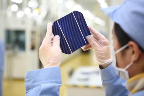 罗仕证券预计直至2015年晶澳太阳能光伏组件出货量